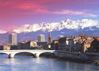 Grenoble-typical-picture-resize320x231.jpg