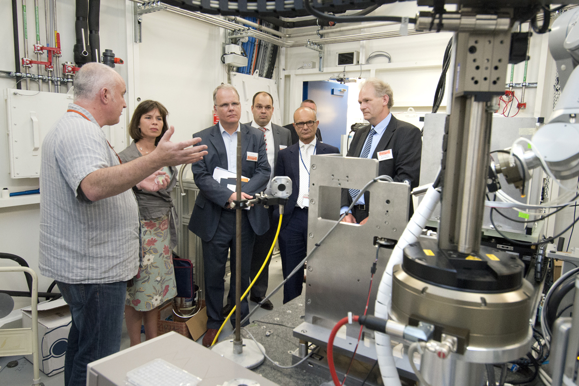 Esrf Hosts Matchmaking Between Dutch Industry And Grenoble