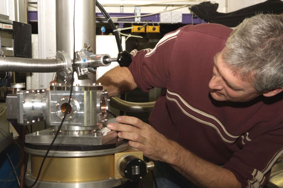pulsed magnetic field device at beamline ID24